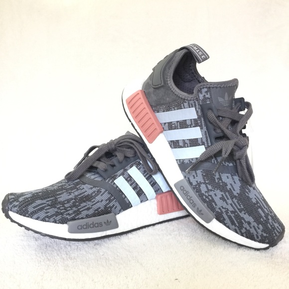 new arrival a24bc 43358 Adidas NMD R1 NWT